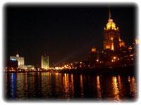 Романтическое рандеву на теплоходе ресторане по вечерней Москве